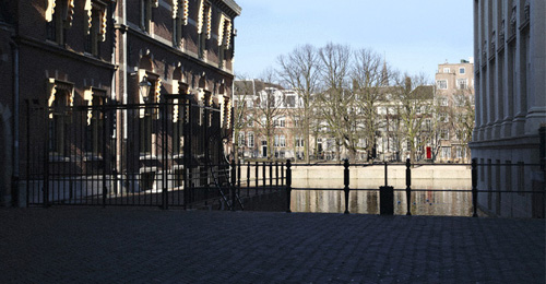 Urban Void 07 (Little Tower), Binnenhof, Den Haag (NL) 2008 (lambdaprint, 2912×4368 pixels)